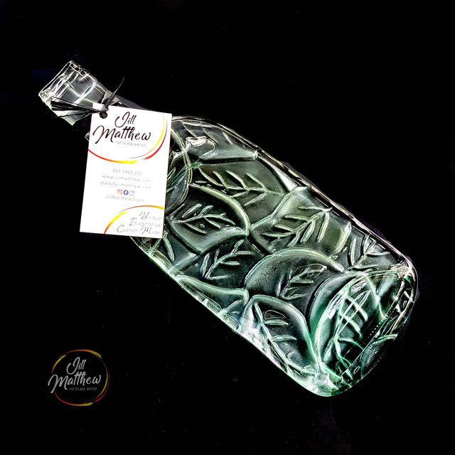 Wine Bottle Cheeseboard - Leaf Impression